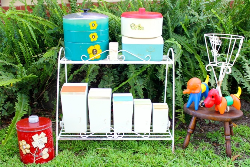 Nally-ware-retro-metal-pot+stands